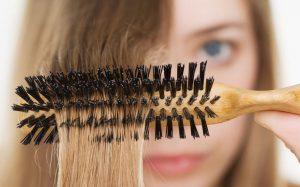 Nodi ai capelli? Ecco qualche rimedio per districarli
