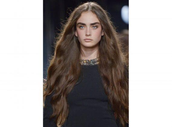 Colori naturali di capelli, idee per rinnovare il vostro look senza esagerare